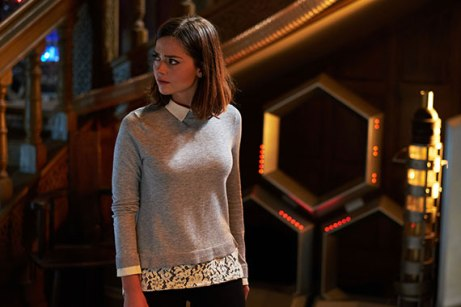face-the-raven-promo-pic-0-clara